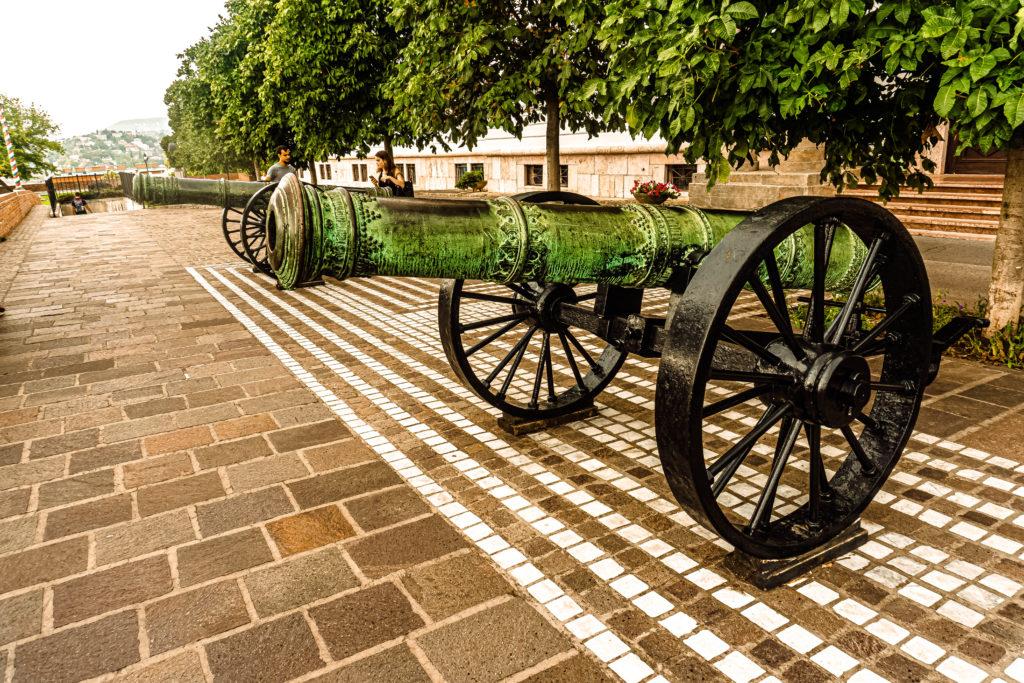 Hungarian Military Museum - Magyar hadtorteneti muzeum budapest Hungary Magyarorszag