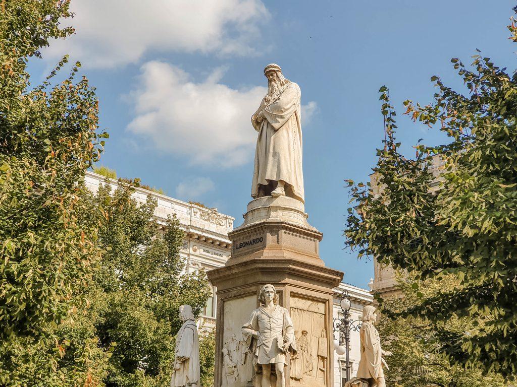 piazza della scala milano italy