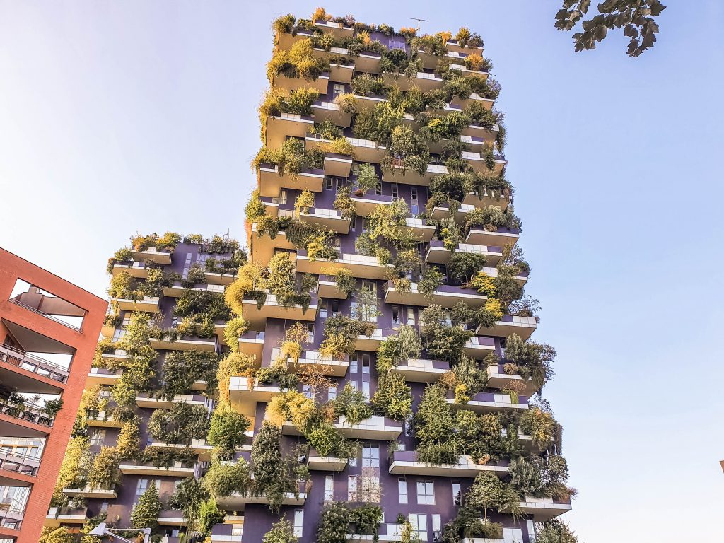 vertical forest isola milan italy